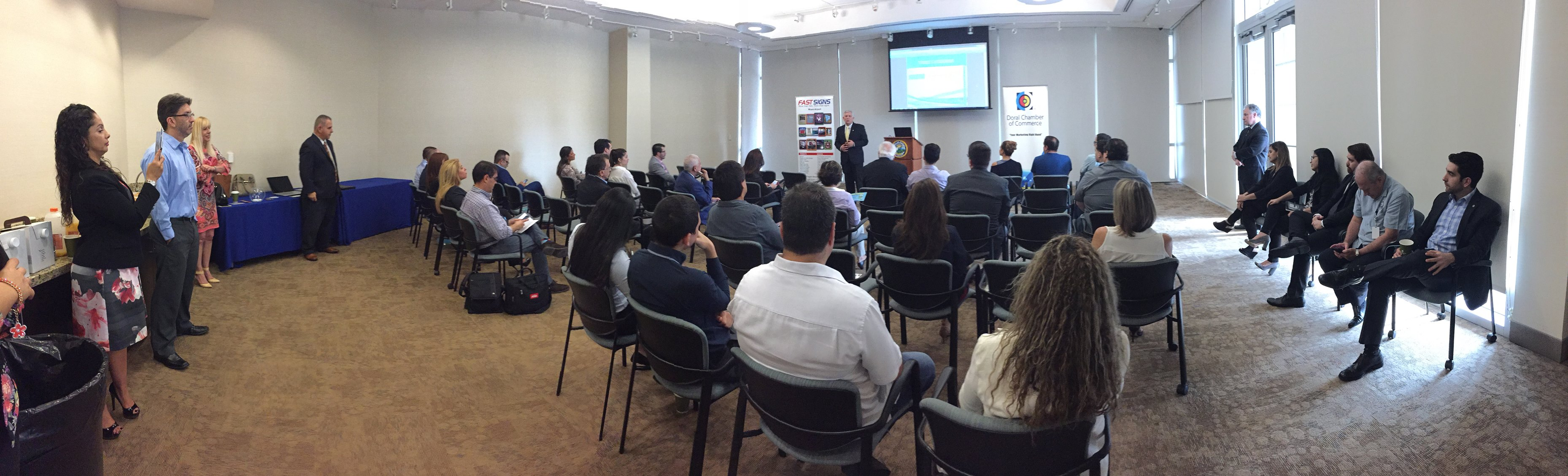 Startup Doral, a Doral Chamber of Commerce event whole room.