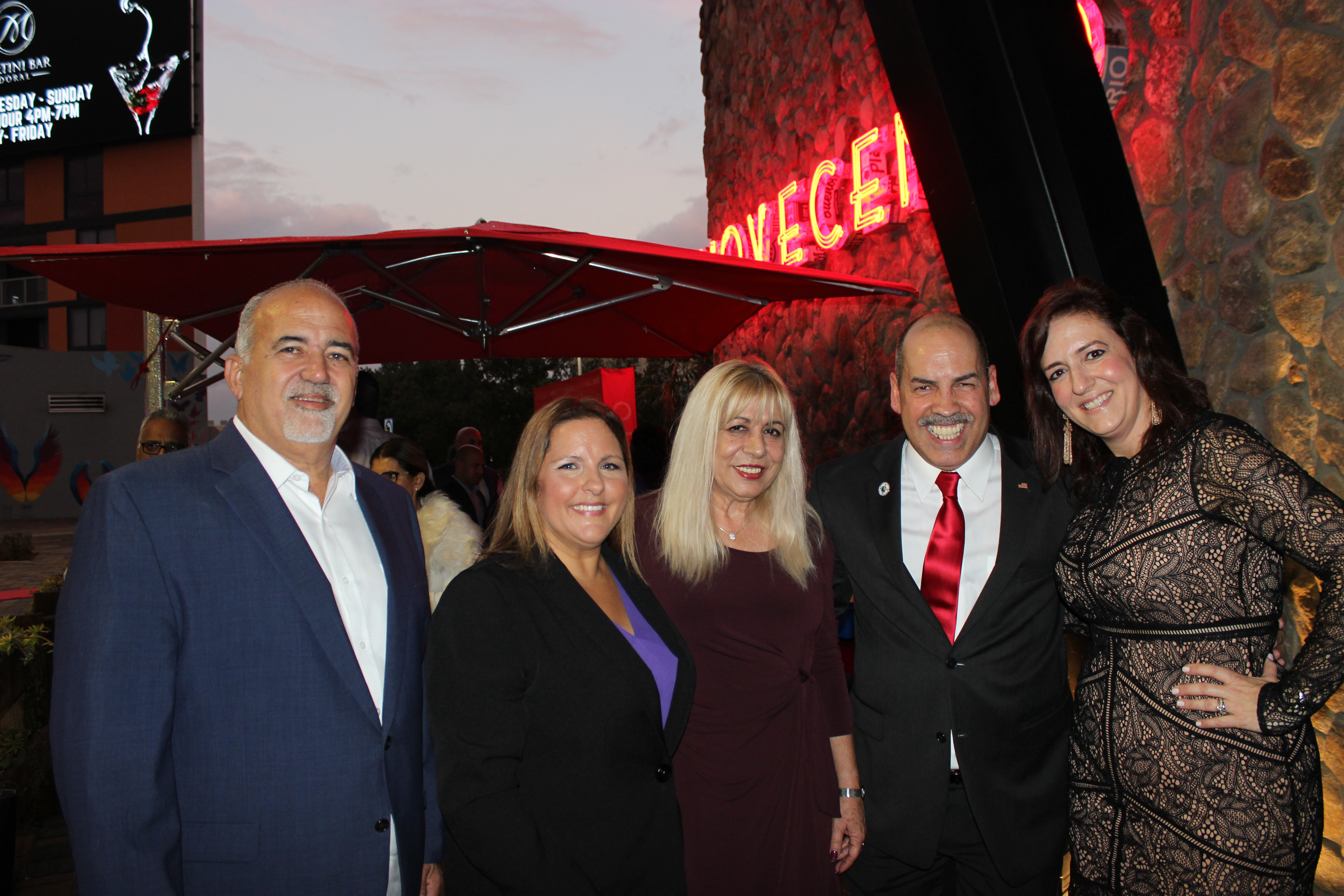 Doral Chamber of Commerce introduces Novecento Grand Opening group photo with Manny Sarmiento.
