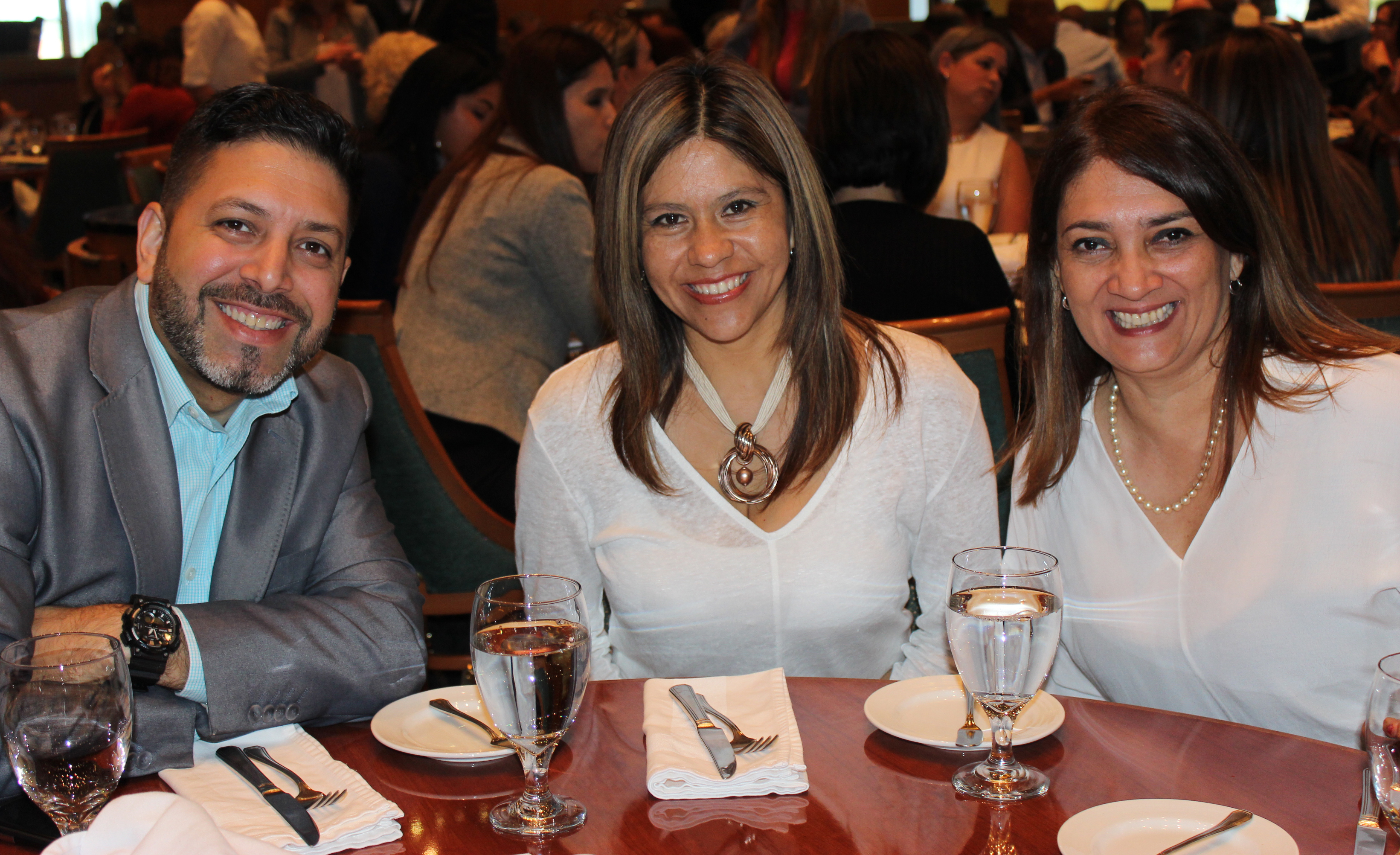 Doral Chamber of Commerce Carnival Cruise Luncheon 2019, Networking Event in Miami, Florida. Group photo, DCC, Carnival Cruise Luncheon Dining Hall.