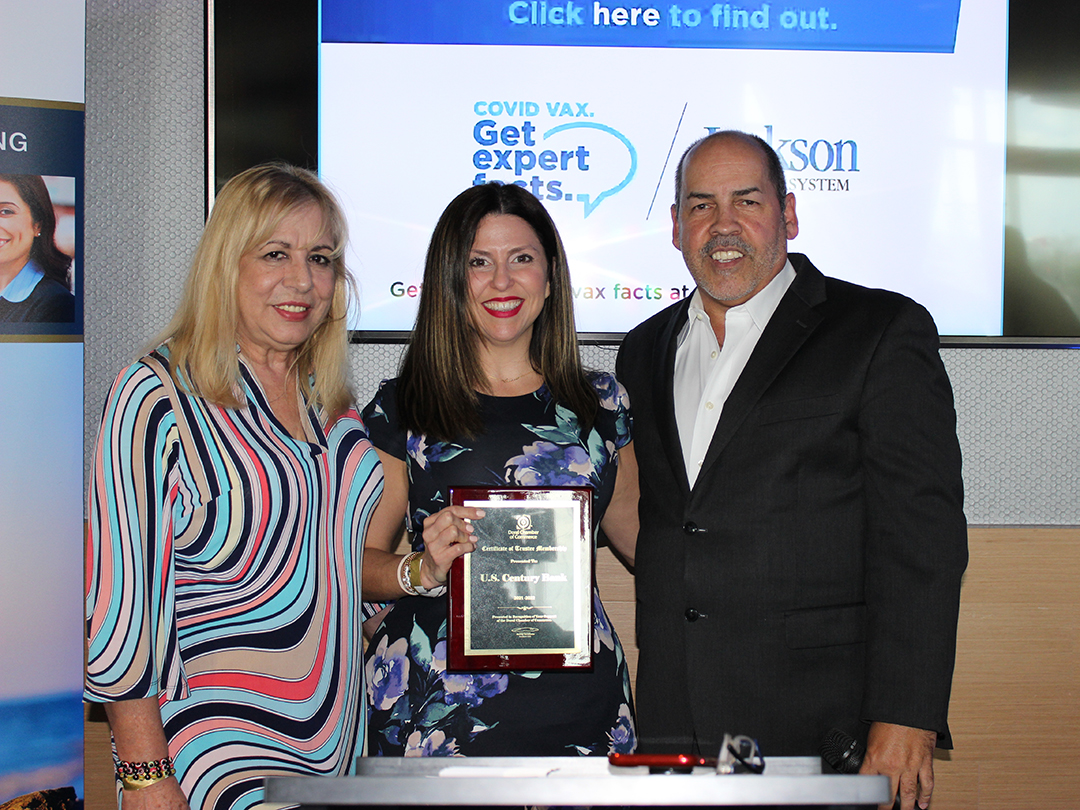 U.S. Century Bank Trustee Plaque Presentation. Oops! We Did it Again! The Doral Chamber is Back with Another Successful Networking Event! Thank You Coral Gables Trust, Topgolf, our Amazing Members & Guests